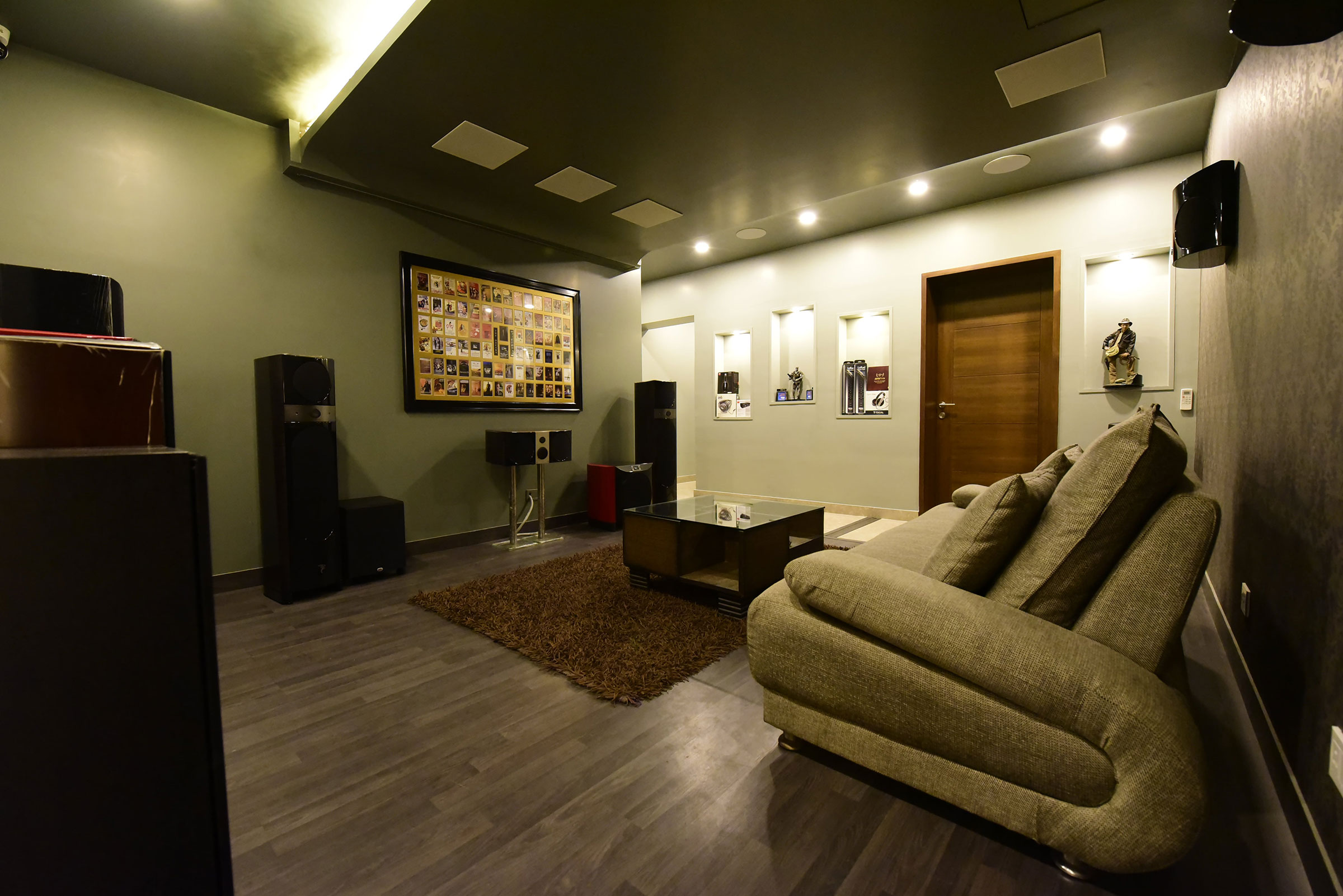 customized-home-theater-delhi
